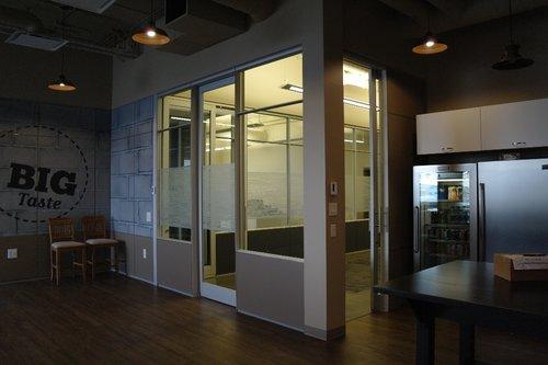 Commonroom1 - Corporate